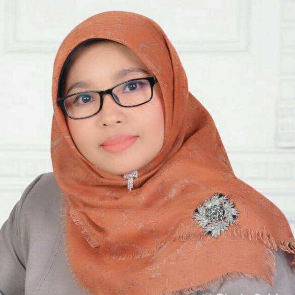 Dr. Lita Sari Muchlis, M.Kom.