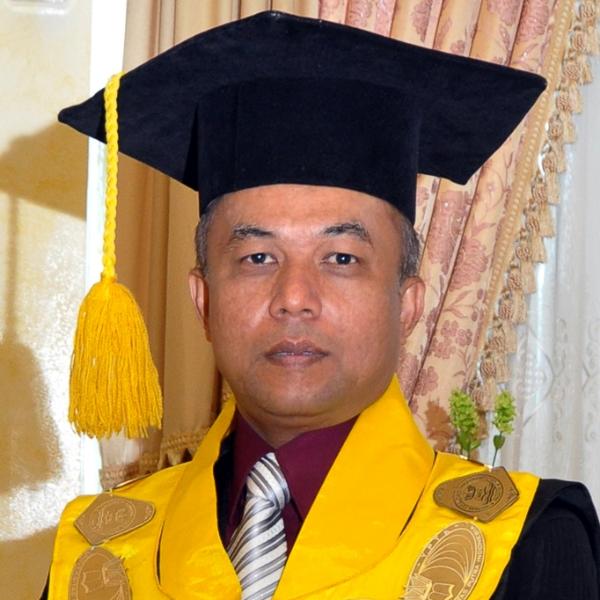 Prof. Dr. Sarjon Defit, S.Kom., M.Sc.